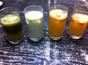 毎日飲んでます、野菜果物ジュース