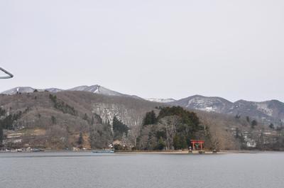 春の野尻湖
