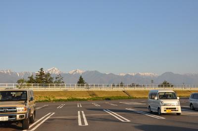早朝の高速