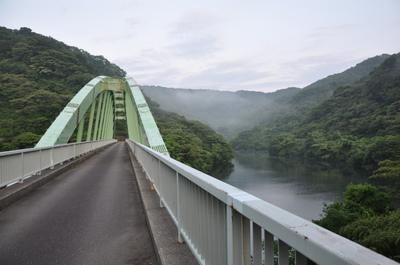 早朝の正善寺ダム