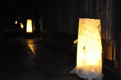 町屋の盆灯籠
